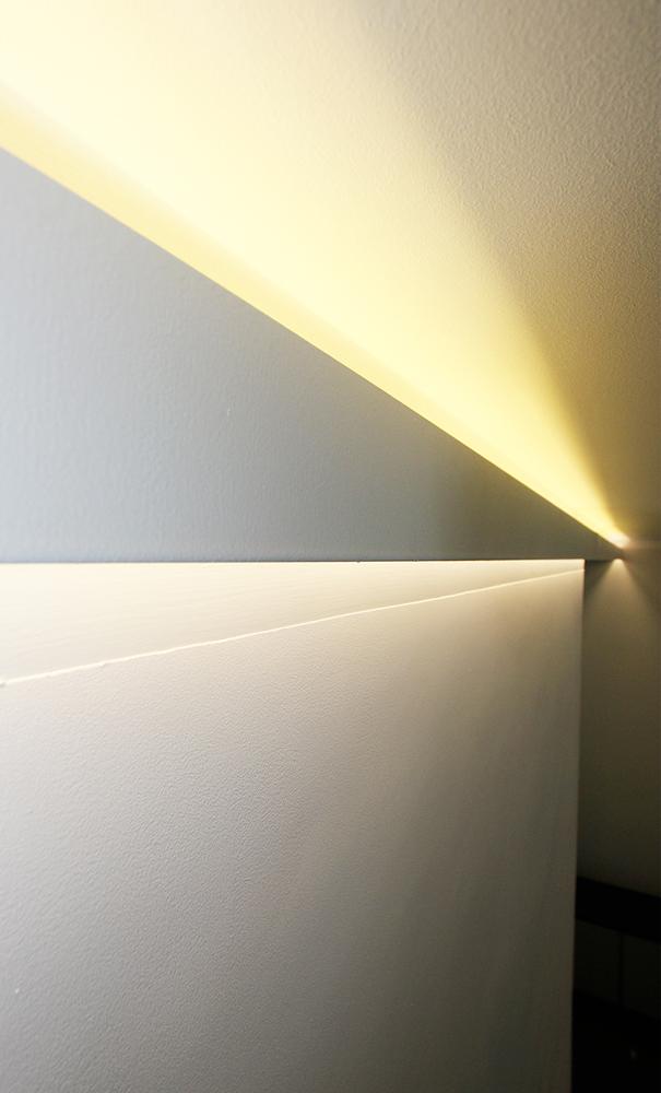 Andrea Gattei Architetto - Design & Research - Profilo luminoso su disegno